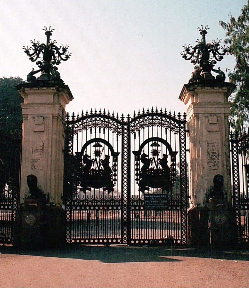 lal-bagh-gates-IndoreHD