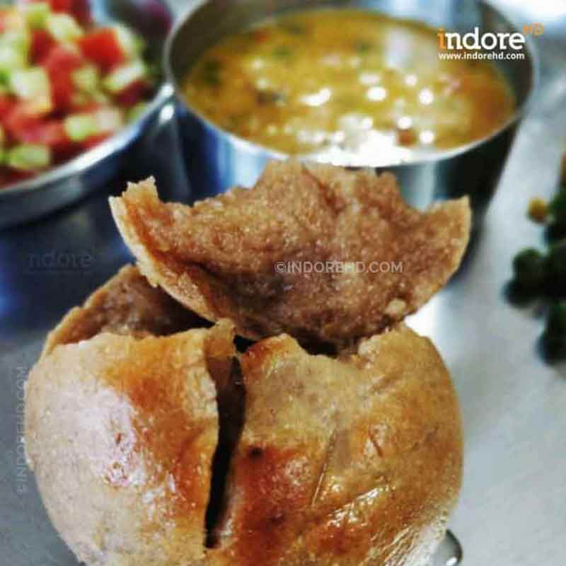 20-MUST-HAVE-FOODS-WHEN-YOU-ARE-IN-INDORE-DAL-BATI-INDORE-HD