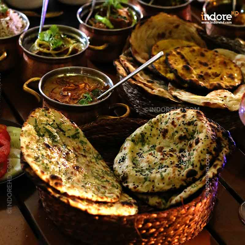 20-MUST-HAVE-FOODS-WHEN-YOU-ARE-IN-INDORE-PRANGAN-THALI-INDORE-HD-MARRIOTT-HOTEL