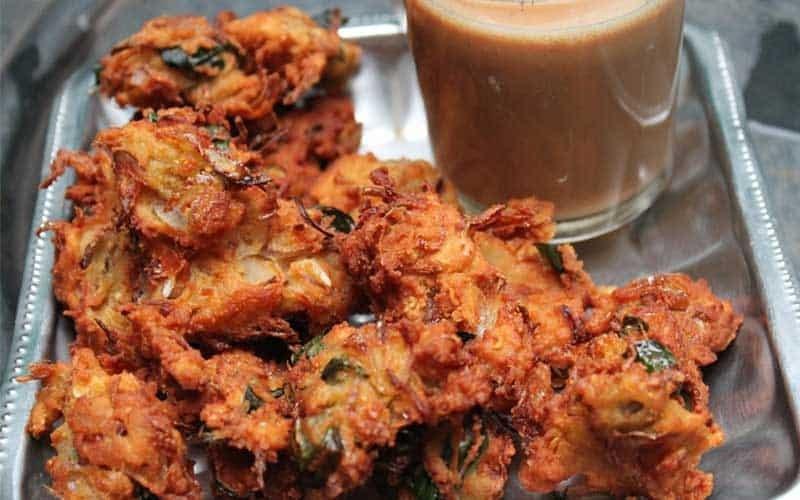onion-pakoda-monsoon-food-indoreHD