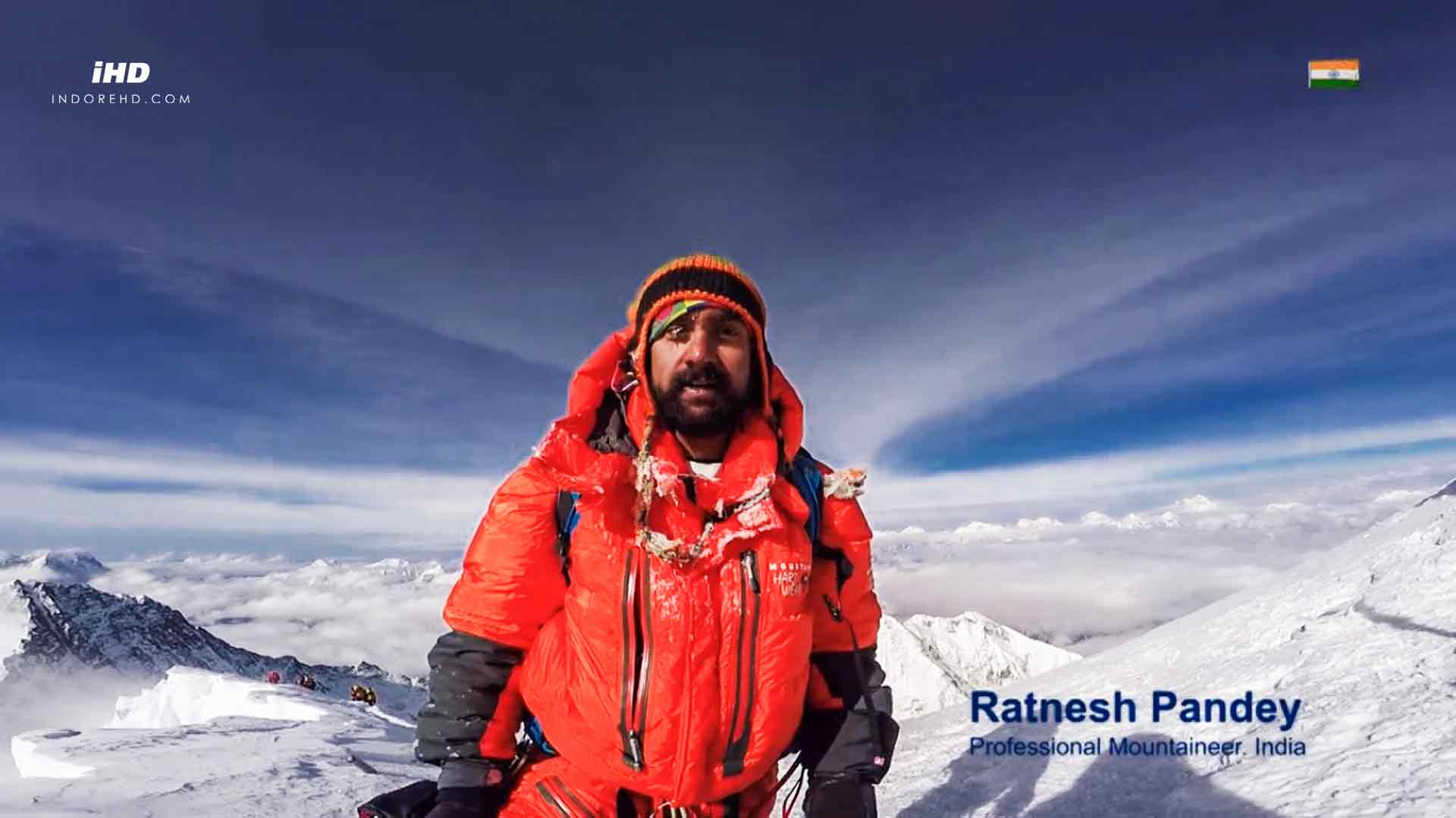 Ratnesh-Pandey-Mount-Everest-National-Anthem-Singing-IndoreHD