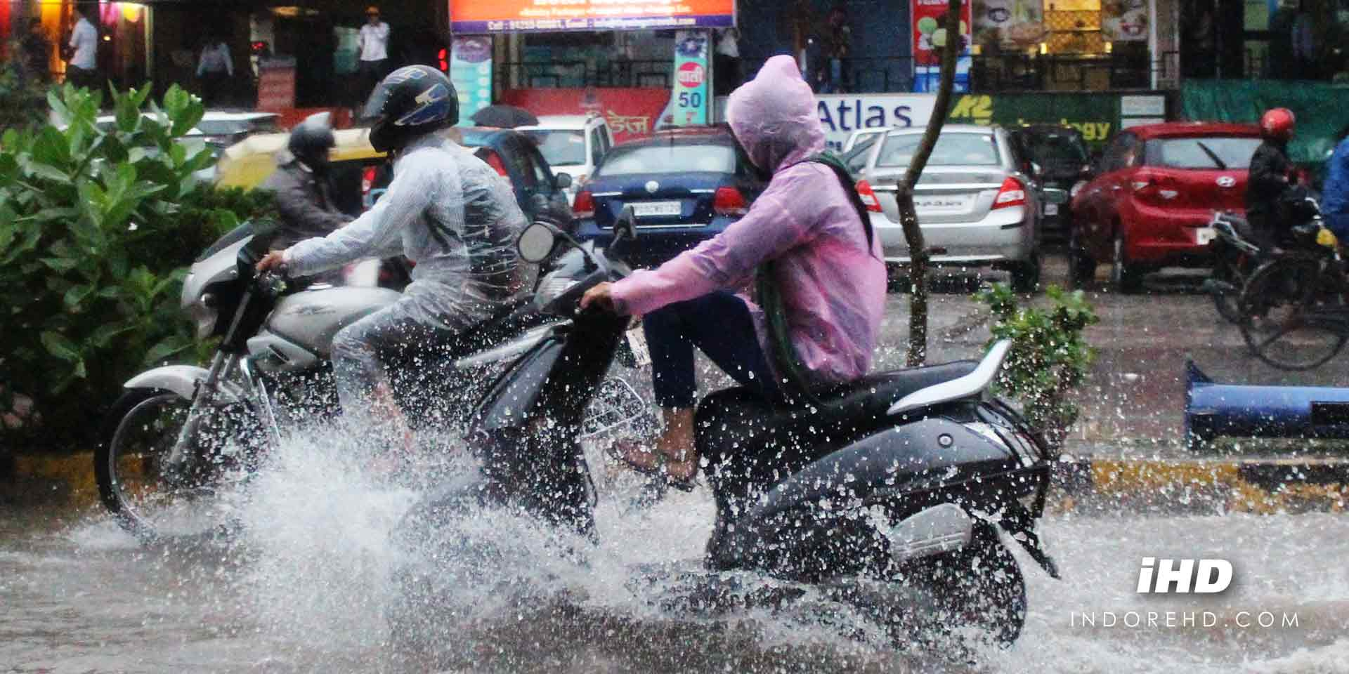 safe-driving-tips-rains-featured-indorehd