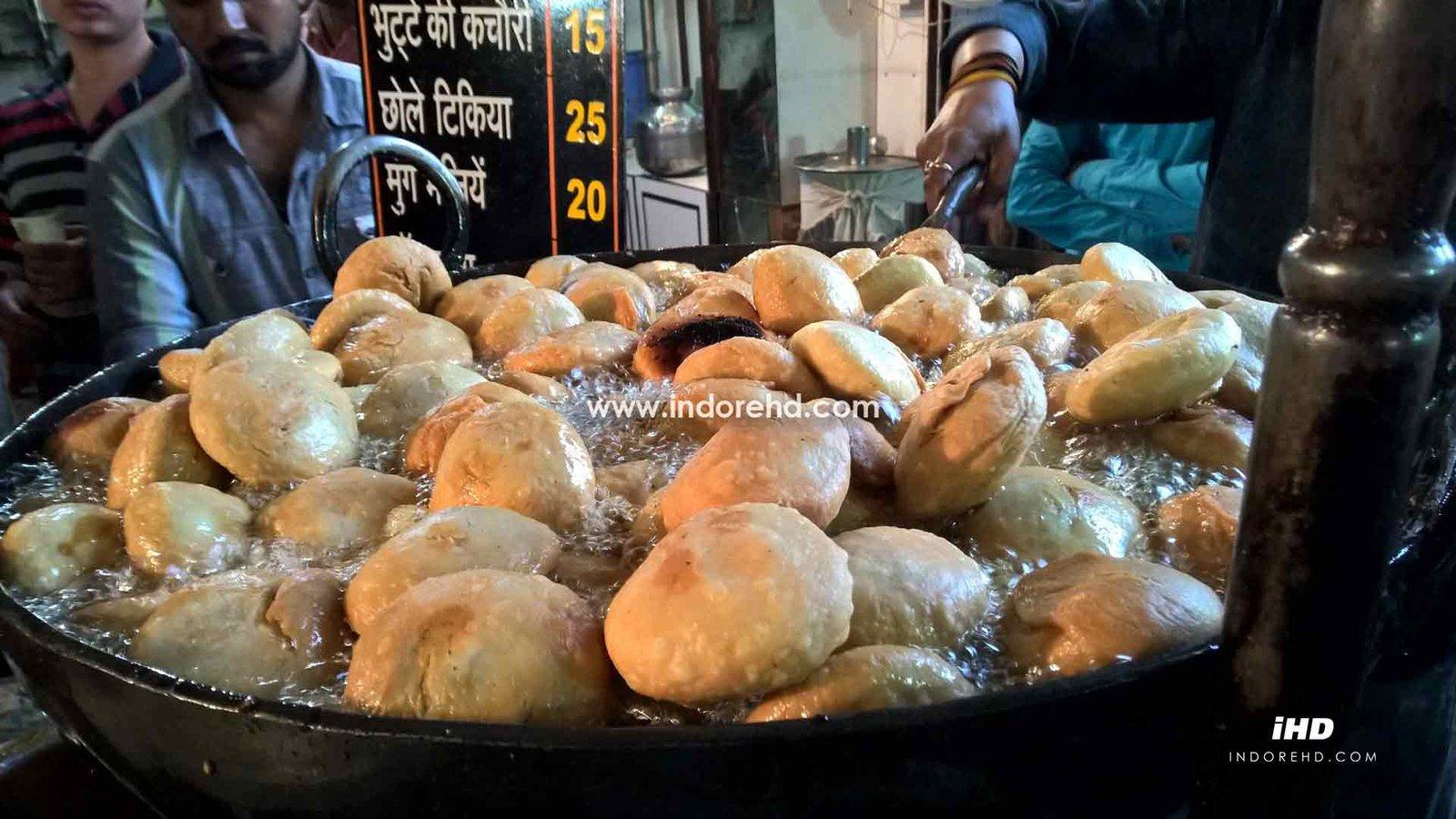 Indori-Kachori-best-in-India-IndoreHD