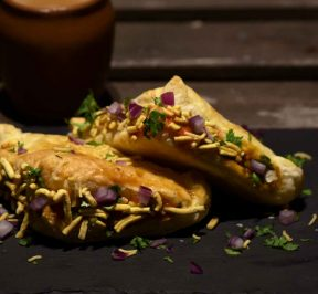 Indori Style Bana Hua Baked Samosa - FOOD…