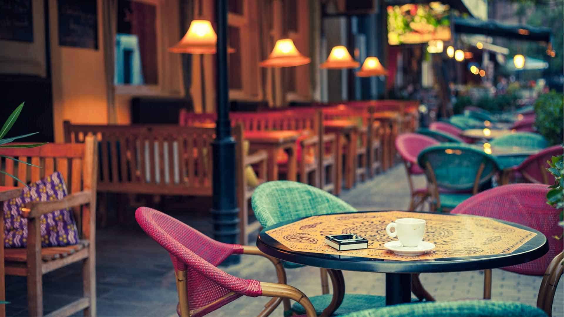 Low Budget Creative Decor Ideas For Opening A Cafe