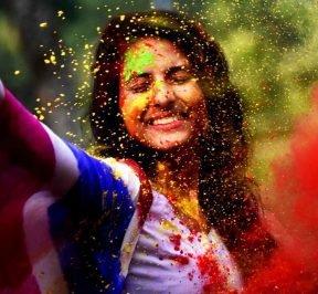 Tips for flourishing skin in Holi season