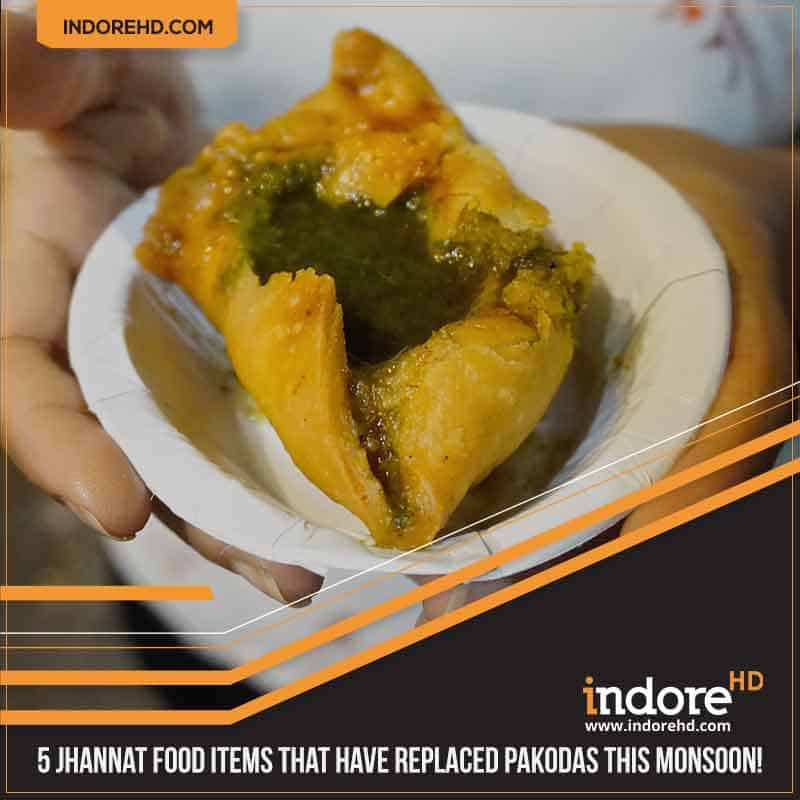 5 indore monsoon food items- Samosa