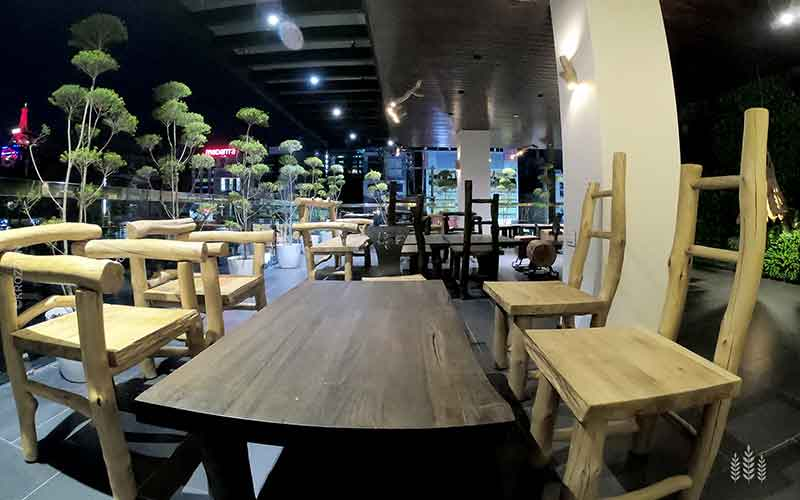 The-Deck-Krozzon-Bakery-Cafe-IndoreHD