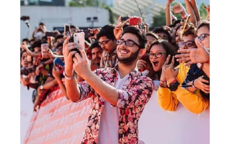 Ajey-Nagar-carryminati-Affairs-family-personal-life-wiki-biography-in-hindi-at-fan-fest-1-1