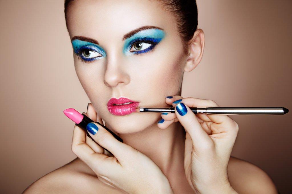 avoid heavy make up