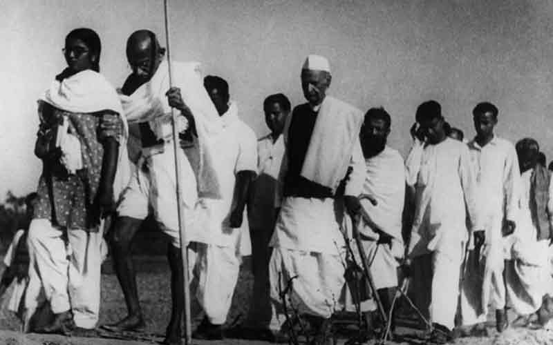 10-Interesting-Facts-About-Mahatma-Gandhi-That-Every-Indian-Must-Know-satyagrah