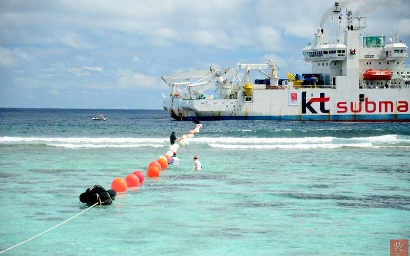 submarine cable laying