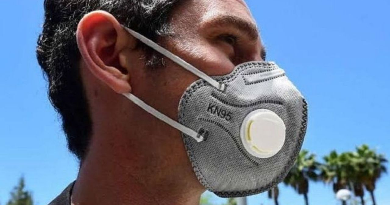 person wearing n95 mask